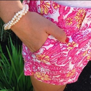 LILLY PULITZER Chum Bucket Walsh Shorts 🌴